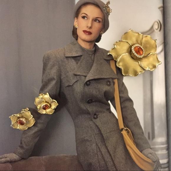 Jewelry - Vintage Flower Brooch & Earring Set